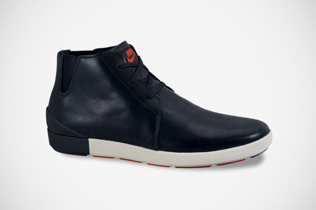 best website 2e934 7264a Following the trend towards minimalist design, Nike releases a new model of  the Air Ralston Mid.