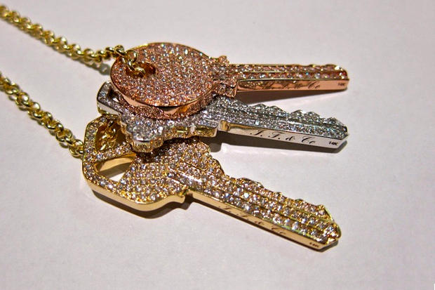 choice gets chain courtesy amazing chains baller ben iced out new d peoples of tyga