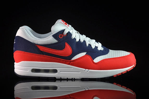 177fe60e5b Nike kicks off 2012 with the release of some fresh new colorways for their  classic Air Max 1 model.