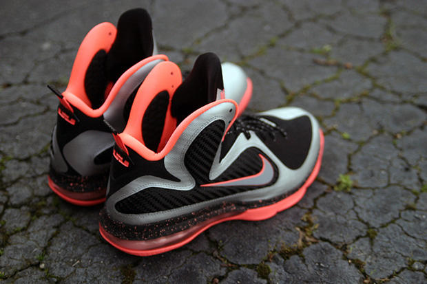 """newest fd883 a4928 While certainly not as bold as the All-Star """"Big Bang,"""" the Nike LeBron 9 """"Bright  Mango"""" still"""