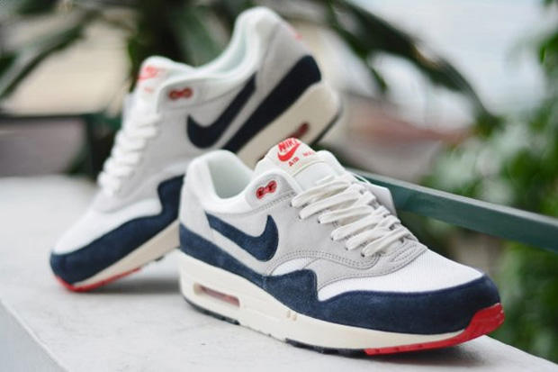 pretty nice e0532 b7c66 Nike 2013 Spring Air Max 1 OG VNTG Preview. Presented in a dark obsidianneutral  grey colorway, we get a preliminary preview of the forthcoming