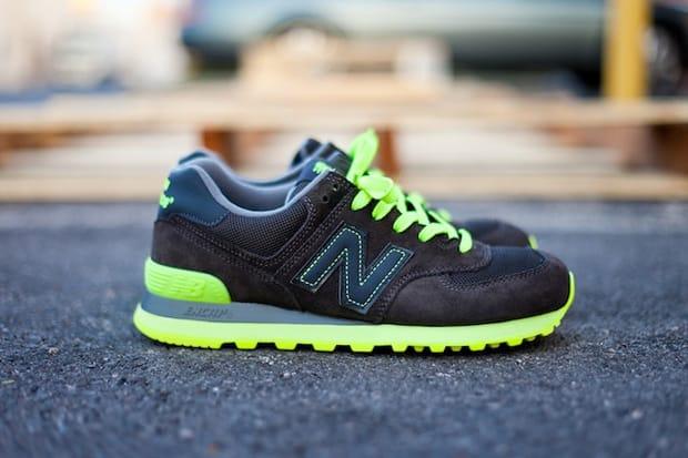 New Balance 574 Black/Neon | HYPEBEAST