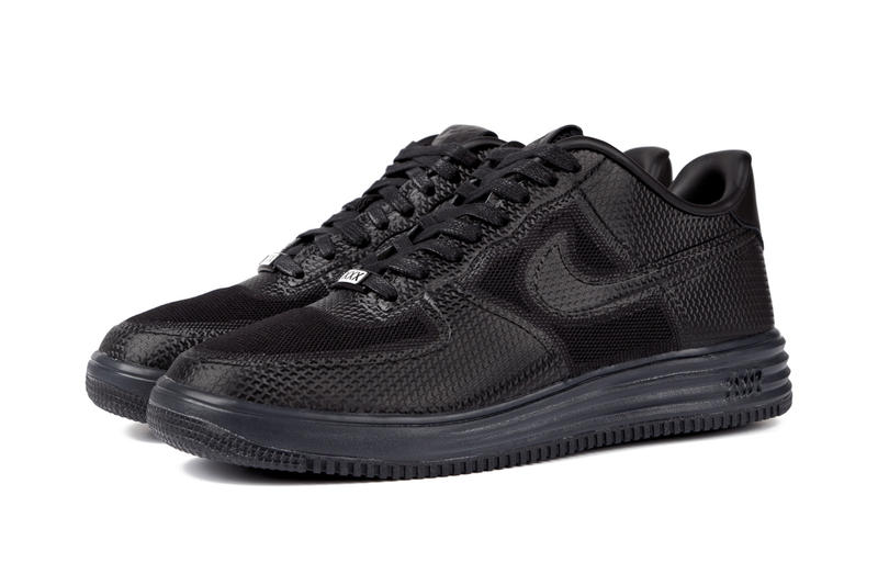 online store eab9e 353c2 After previewing various colorways of Nike s Lunar Force 1 silhouette, we  can now give you a closer