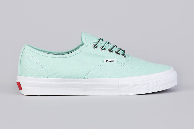 62b4f49354 Mike Hill x Vans Syndicate Authentic Pro S Mint Vanilla