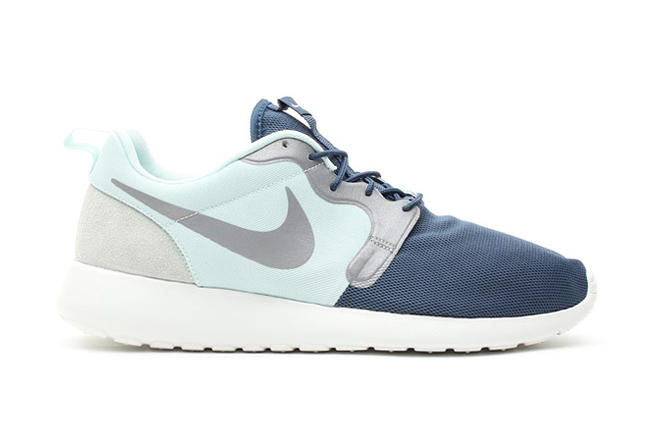 sale retailer 50368 ad1f9 Originally billed as the Roshe Run Hyperfuse, Nike s Roshe Run Vent has  begun popping up at select
