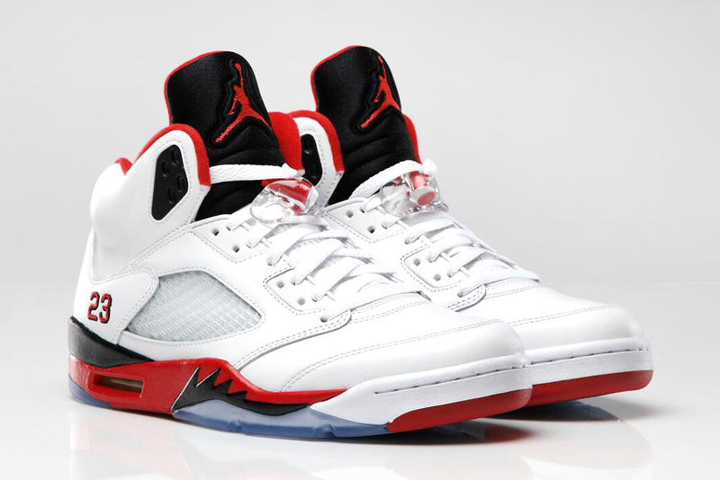 uk availability fb023 342bf Air Jordan 5 Retro