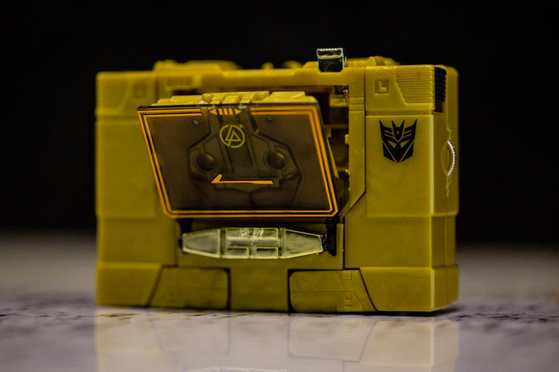Linkin Park x Transformers SOUNDWAVE Special Edition Action