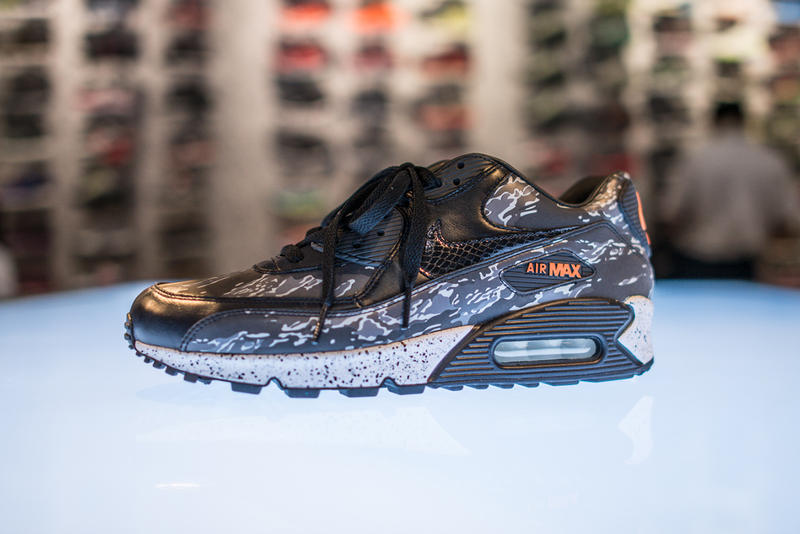 "dbc038239f Following our preview of the Nike atmos exclusive ""Black Tiger Camo""  collection, we've now got a"