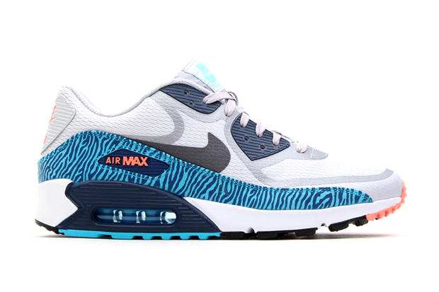 the best attitude 7694a 77dc5 Continuing with its Tape pack, Nike has given the Air Max 90 PRM Tape a  clean look with this