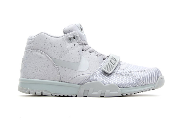 new arrival 44562 fca37 Nike Air Trainer 1 Mid SP