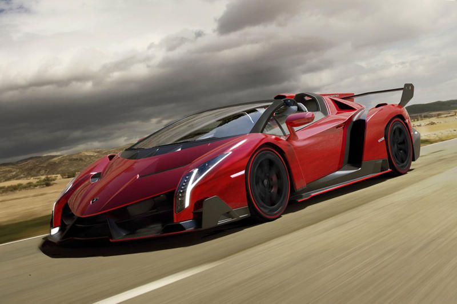 The First Look at the Lamborghini Veneno Roadster