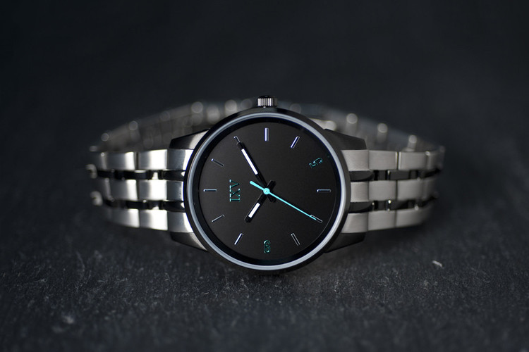 fd245fc252 9FIVE Introduces IXV Watches