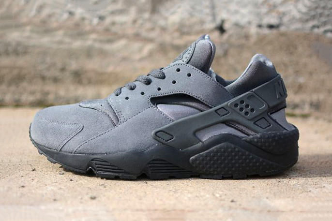 29ed3c515cded Fresh from the Nike camp is a new rendition of the classic Air Huarache  silhouette. Dubbed the