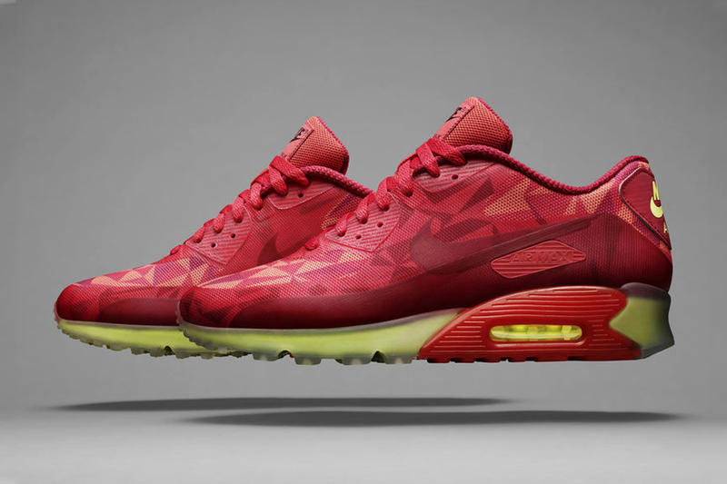 the latest 0ccc1 78276 Nike presents this new ICE take on the classic Air Max 90 running  silhouette. The model gets its