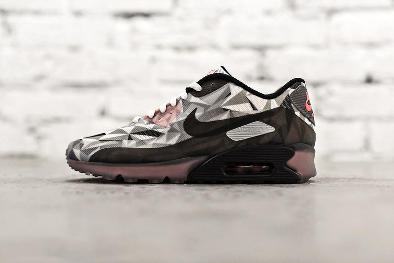 buy online e214a 1b8f5 Coming alongside the recently introduced Air Max Lunar90, the Nike Air Max  90 Ice is set to drop in