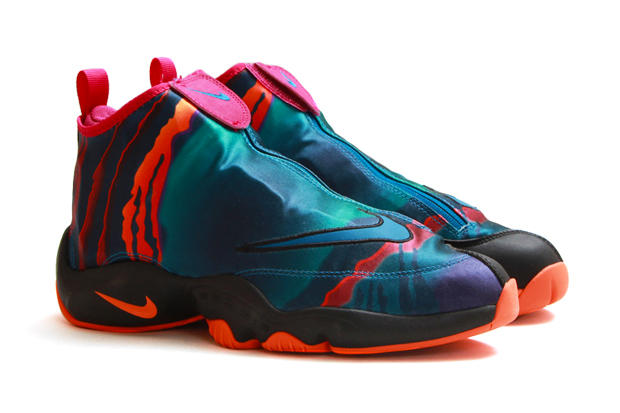 "efedb926e188 Gary Payton s Nike Air Zoom Flight ""The Glove"" is back in a new  graphic-heavy green abyss black"