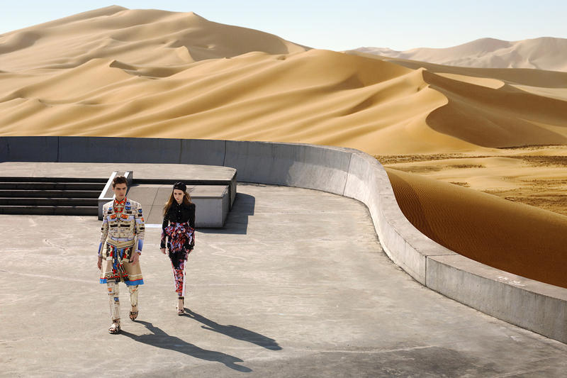 Spring Comes To Dunes >> Givenchy 2014 Spring Summer Driving The Dunes Of Erg Chebbi