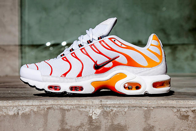 huge selection of 06de8 15112 Nike Air Max Plus