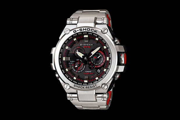 G-Shock MTG-S1000D Silver/Red