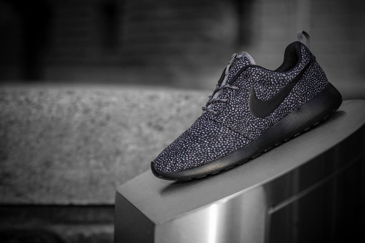 281cf261216214 The Story Behind the Nike Roshe Run