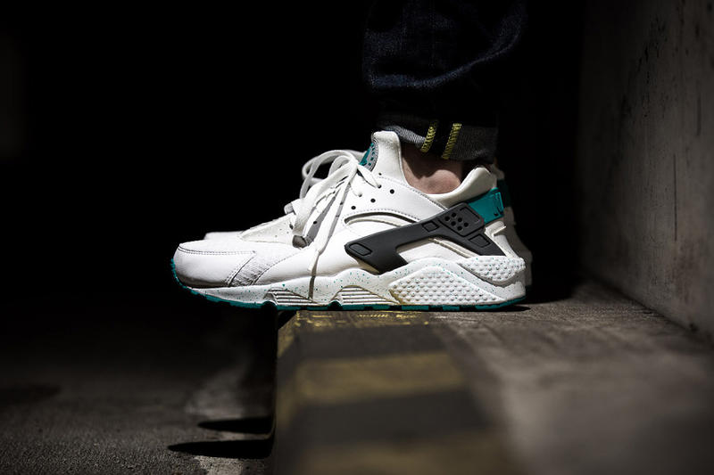 """the latest f855f 85d7a The fan favorite Nike Air Huarache gears up for the summer season with an  all-new """"Turbo Green"""""""