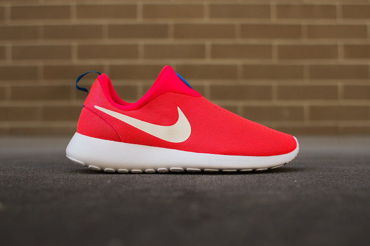 buy popular ec3c7 41354 Nike Roshe Run Slip On
