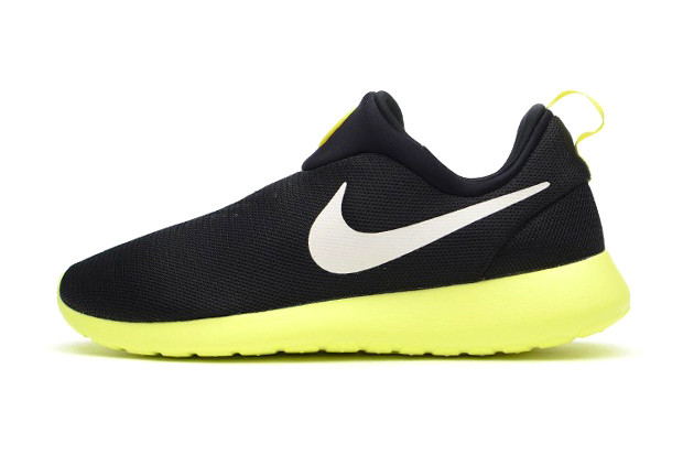 official photos 7e7fa 4b6a3 Nike Roshe Run Slip On Black Volt