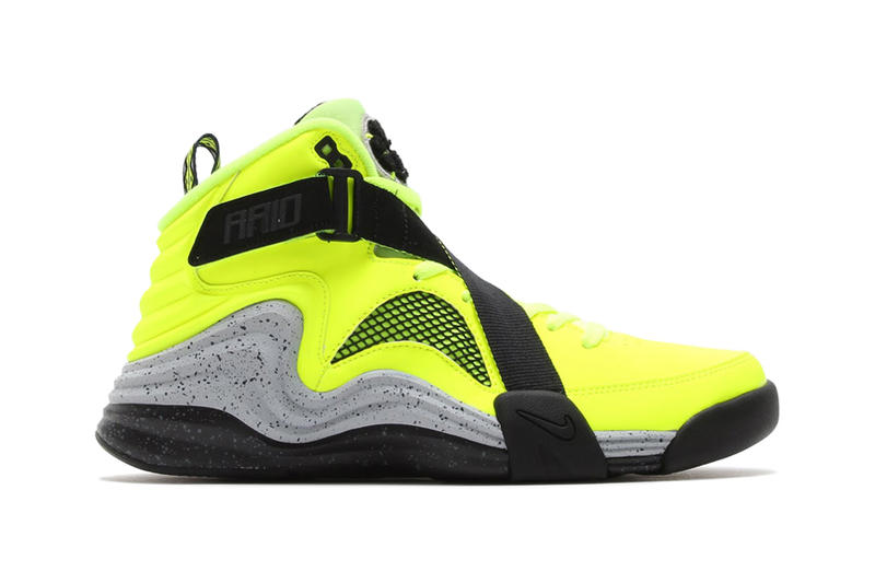 online store db006 49209 Nike presents the newest Lunar update of the classic Air Raid silhouette  released in the  90s.