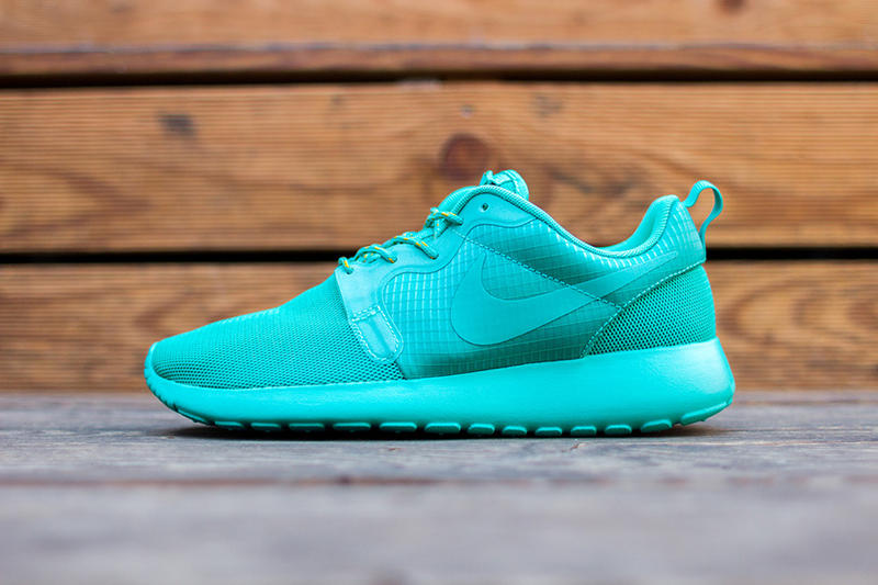5dd1d2f10fa6 Continuing its string of tonal Roshe Run colorways for the ladies