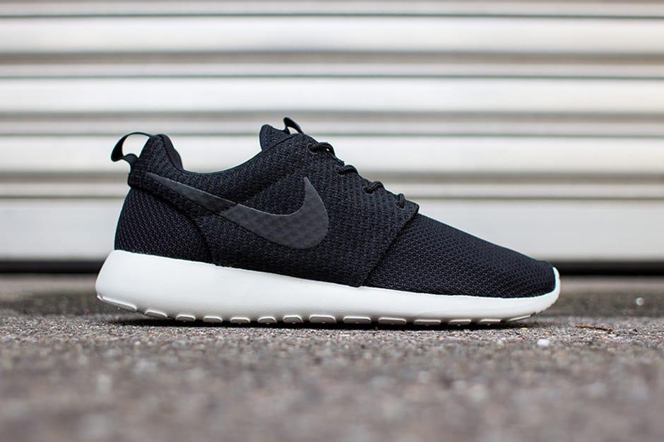 Nike Roshe Run Black/Ash Grey | HYPEBEAST