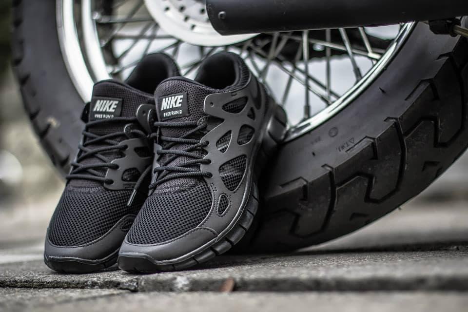 official photos 73eac 268d4 Nike Free Run 2 NIKE FREE RUN 2 - TRIPLE BLACK REFLECTIVE - Black Metallic  Silver - 537732- ...