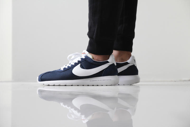 "separation shoes 07abf 07506 A Closer Look at the fragment design x Nike Roshe LD-1000 SP ""Dark Navy"""