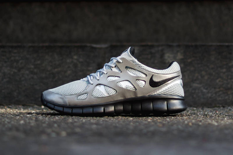 best loved ac57c 62022 Nike Free Run 2 Metallic Silver/Black | HYPEBEAST