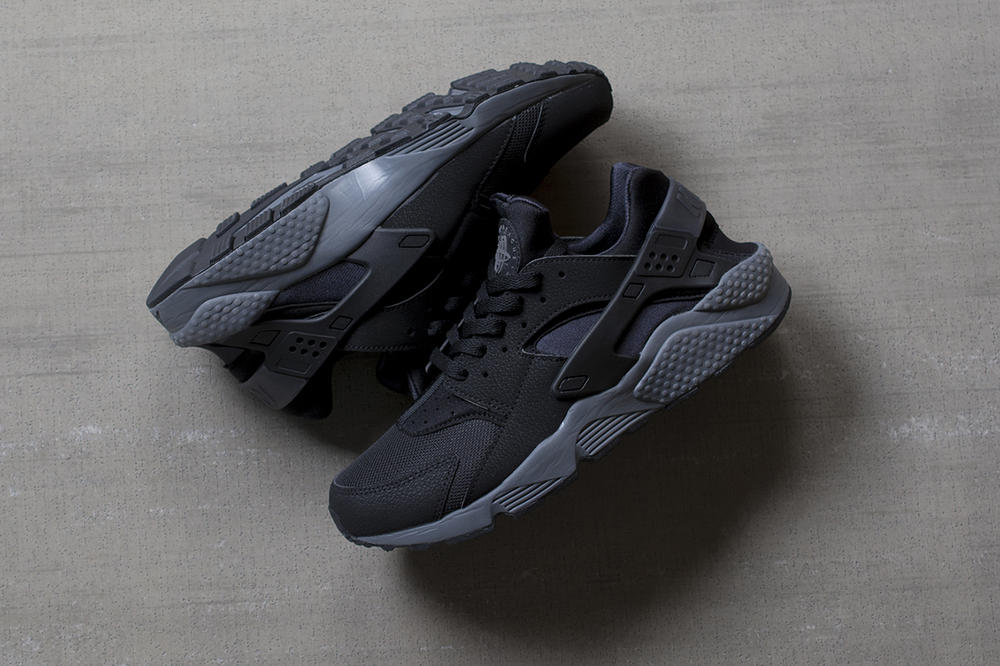 Nike Air Huarache Black/Dark Grey