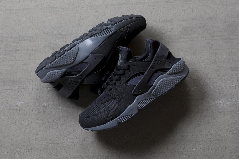Derecho distorsión Amasar  Nike Air Huarache Black/Dark Grey | HYPEBEAST