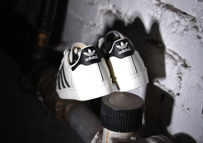 flor tenaz atractivo  adidas Superstar 80s Deluxe OG Vintage White/Black | HYPEBEAST