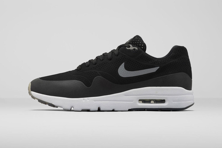 separation shoes 071f9 ae353 Nike WMNS Air Max 1 Ultra Moire Black Black-White