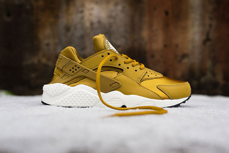 Nike WMNS Air Huarache Run \