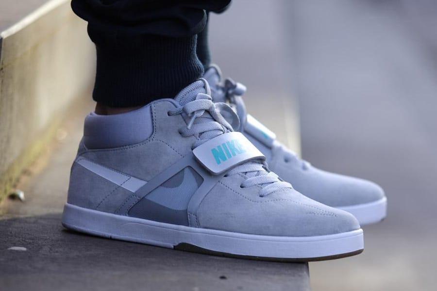 Nike Mens Eric Koston MidR//R Sneakers