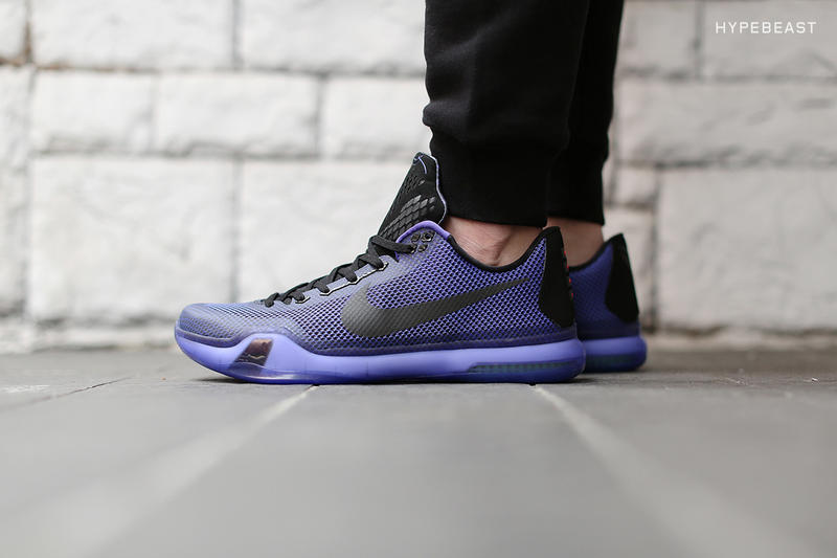 "A Closer Look at the Nike Kobe X ""Blackout"""