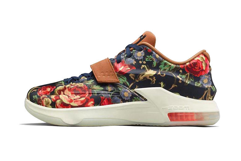 """competitive price 3195a d83c4 The new Nike KD 7 EXT QS """"Floral"""" debuts a brand new design on the KD 7 EXT  silhouette. The"""