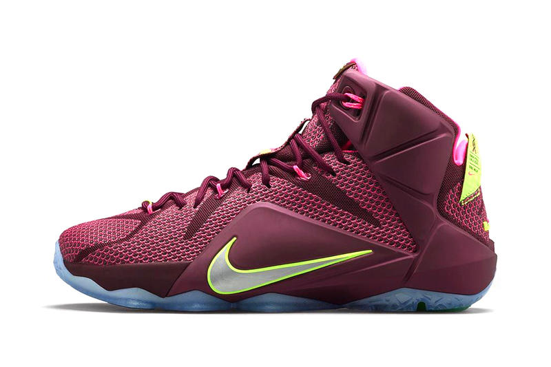 sports shoes b4e29 273ea Nike LeBron 12