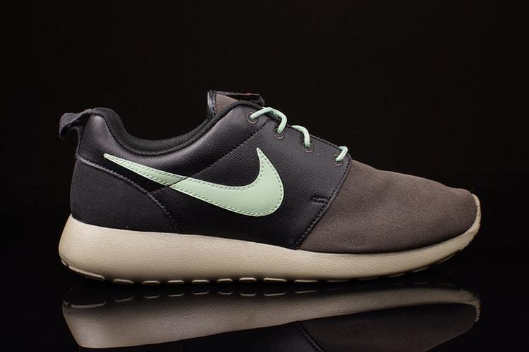d47c19d7f9ea21 Nike Roshe Run