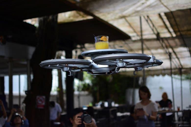 Singapore Restaurant Uses Autonomous Drone Waiters