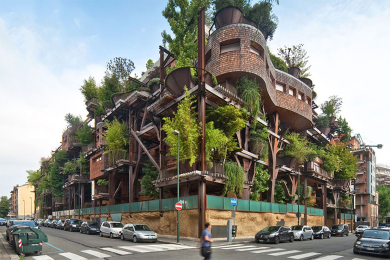 Luciano Pia's Air and Noise Pollution-Proof Treehouse in Turin, Italy