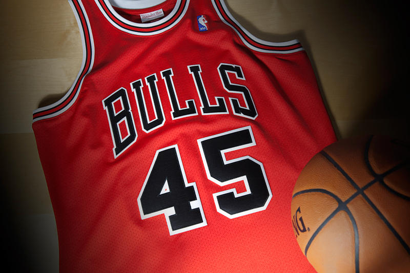 best cheap 9e655 84f0f Mitchell & Ness Re-Release Michael Jordan's 1995 Comeback ...