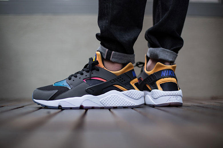 42f1dfe3ca83 Check out this new colorway of the Nike Air Huarache SD. A perfectly simple  colorway with just