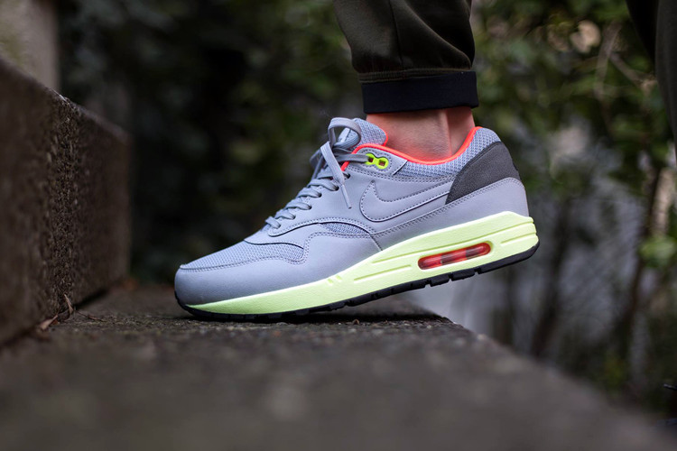 reputable site 6b3a2 75c87 Nike Air Max 1 FB Wolf Grey Liquid Lime