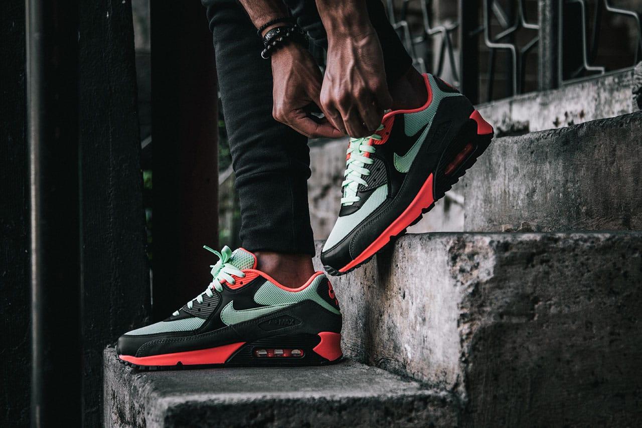 Nike Air Max 90 Essential \