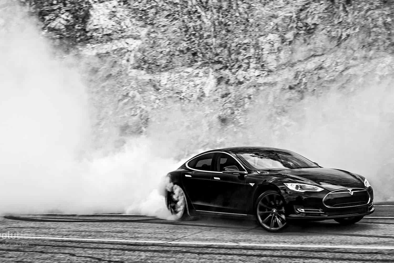 "Tesla Is Bringing ""Autopilot"" Mode to the Model S"